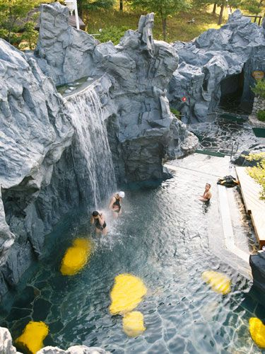 Year-round hot springs called Seorak Waterpia in Gangwon-do Sokcho-si, South Korea.