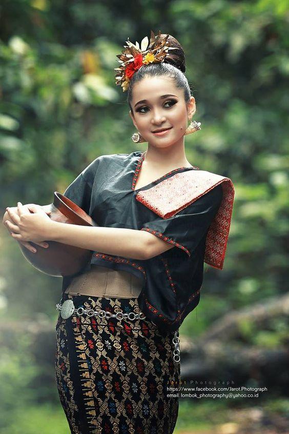 Ломбок - красиво Сасакско момиче  Http://resep.masakan.co |  HTTP: //masakan.co...