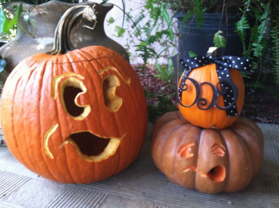 Andrew and i carved some cute ones! Oct/18/2012