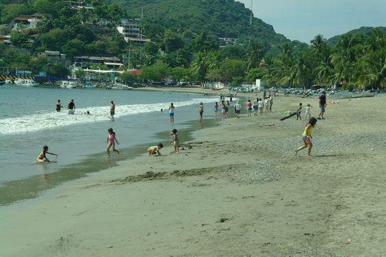 """Movimiento """"Playa Corona"""" es una iniciativa que protege el ambiente y mantienen en buen estado las playas más contaminadas de la República Mexicana."""