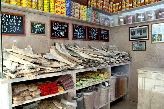 Manteigaria Silva (Lisboa): A traditional Deli that's already been in business for over a century, selling a great variety of cod, meats, cheese and spices, among other things.
