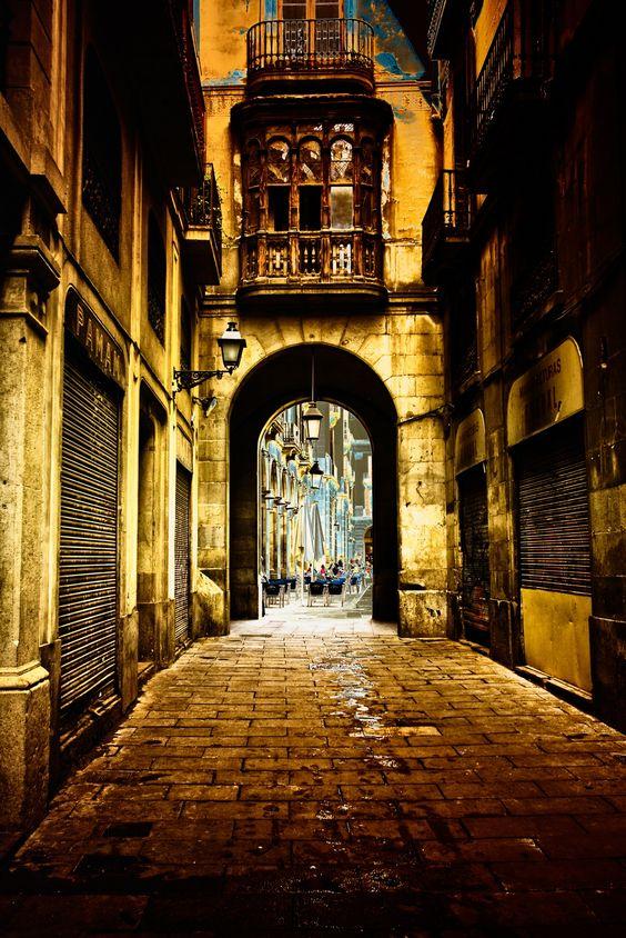 Calles evocadoras de la vieja Barcelona - http://www.barcelonaesoterica.com