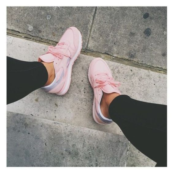 Reebok Classic Rosa Outfit