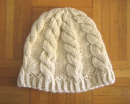 Chunky Cable Hat.. free pattern.. uses chunky/bulky yarn ...