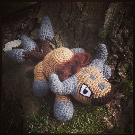 Had the absolute pleasure of working on a commission for a Tauros amigurumi! This cutie was so fun to work on, and a bit different in design to the others and I really enjoyed that! He was sent off to Poland today to his new home :)