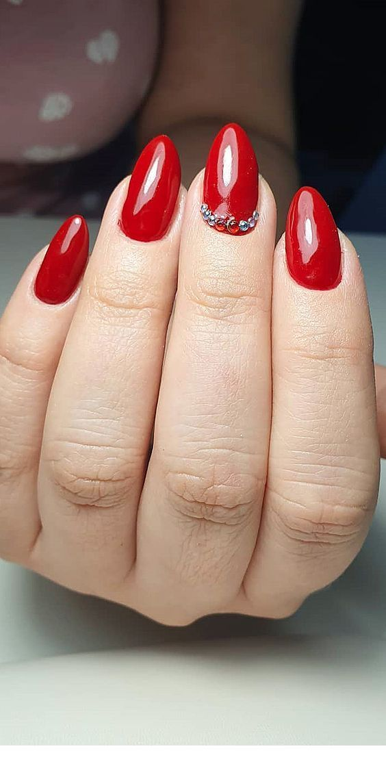 Glam Red Nails With Some Nice Details Red Nail Designs Red Nails Dot Nail Art Designs