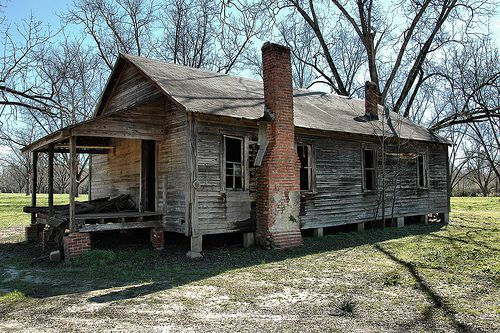 vernacular architecture of the shotgun house essay Traditional variations on the forms of the shotgun house 19  chapter four:  the enduring presence of vernacular architecture 78  referenced by scholars  since the appearance of his seminal essay on the shotgun in 1986 vlach.