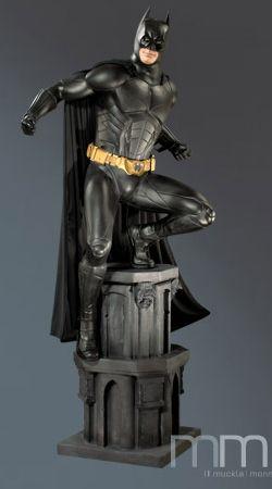 BATMAN BEGINS - Batman Life Size Statue 234 cm