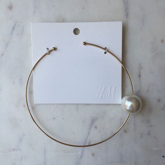 H&M PEARL CHOKER BRAND NEW BRAND NEW NEVER WORN! H&M Jewelry Necklaces