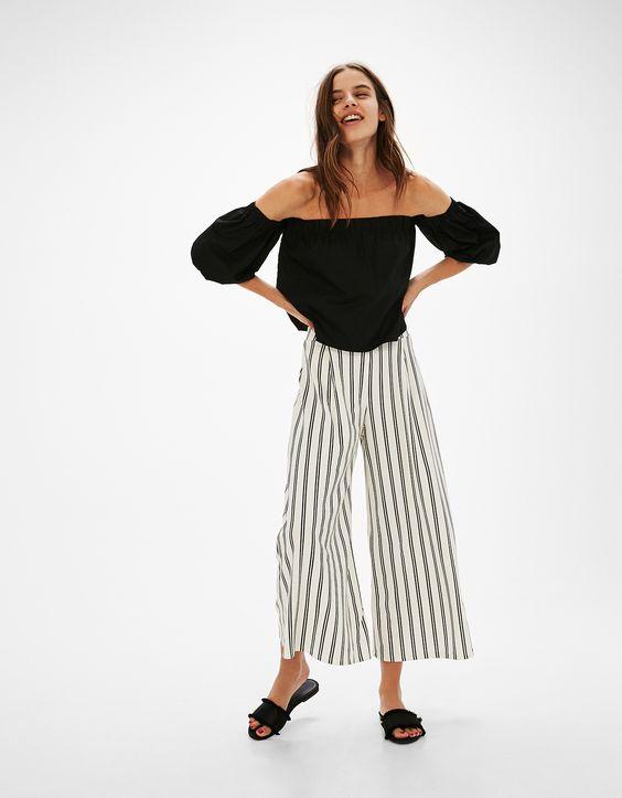 Pantalón culotte línea A. Descubre ésta y muchas otras prendas en Bershka con nuevos productos cada semana