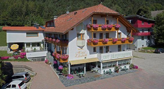 Italien, Südtirol. Mitten in der traumhaften Ferienregion Kronplatz Unser Hotel liegt in Kiens, 10 km von Bruneck entfernt, mehr auf www.travelina.ch