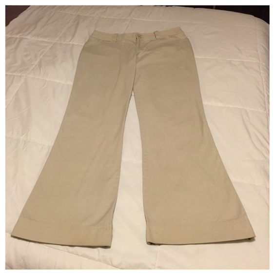"""Z Universe Khaki Pants Nice pair of wide leg khaki pants with a two button and zipper closure. Good for a casual day. There is some wear on the bottom, but still lots of life left in them. Waist measures 17"""", inseam 31 1/2"""", leg opening 10"""", and rise is 9 1/2"""" Z Universe Pants Wide Leg"""