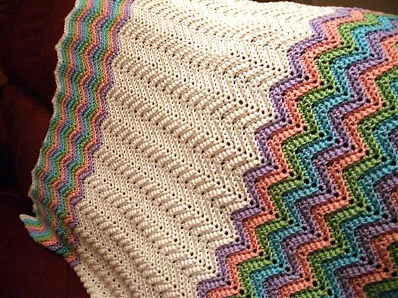 Ravelry: Rickrack Rainbow Baby Blanket by Red Heart Design ...