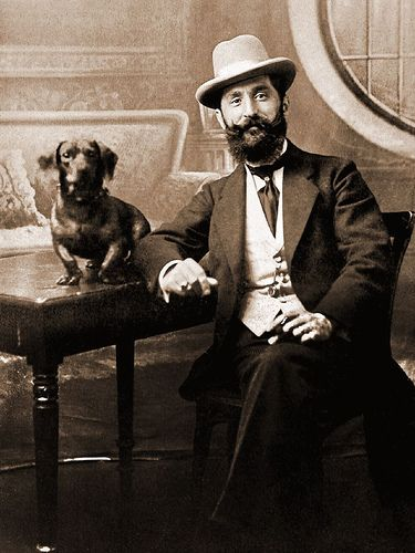 LOVE vintage photos with pets. Wish I could find one at an estate sale or antique shop.