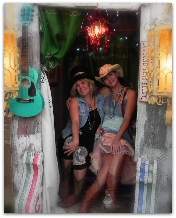 Grab your BFF and head to the Junk Gypsy prom ... FUN!!