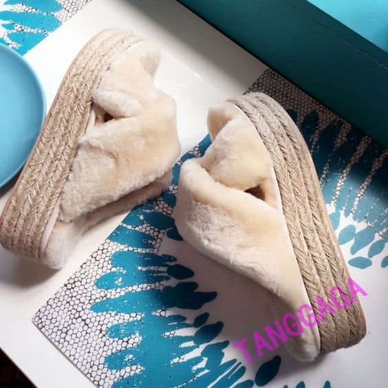 Fashion Womens Woven Platform Wedge Heeled Casual Faux Fur Comfy Slipper Shoes