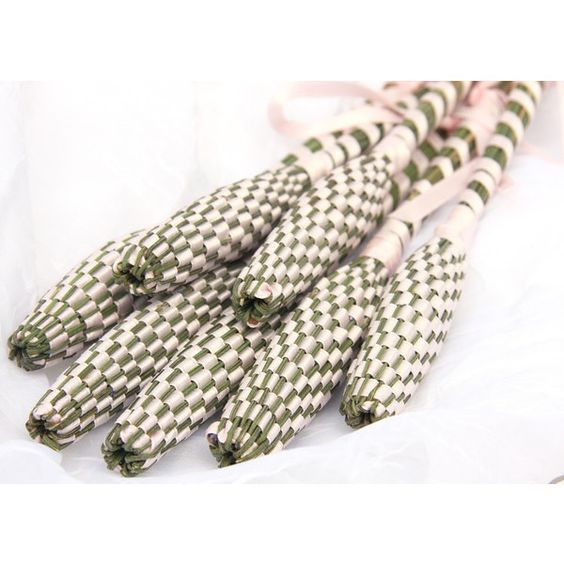 Fancy Pink Large Organic Lavender Wand Woven from Freshly Picked... ($24) ❤ liked on Polyvore featuring home, home decor, british home decor, organic home decor, southern home decor, pink dishes and pink home decor