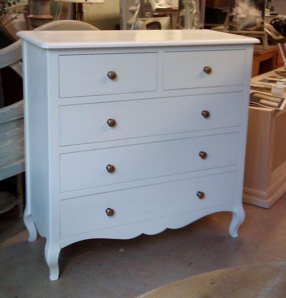 C moda cl sica y pata curva en decapado blanco con 3 - Muebles comodas clasicas ...