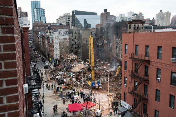 At Least 2 People Missing After Explosion in Lower Manhattan - NYTimes.com