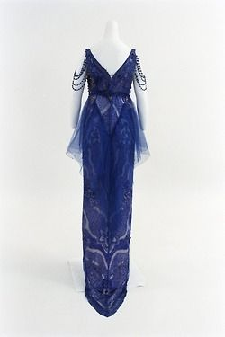 Douillet evening dress ca. 1915 (back) From the Bunka Gakuen Costume Museum