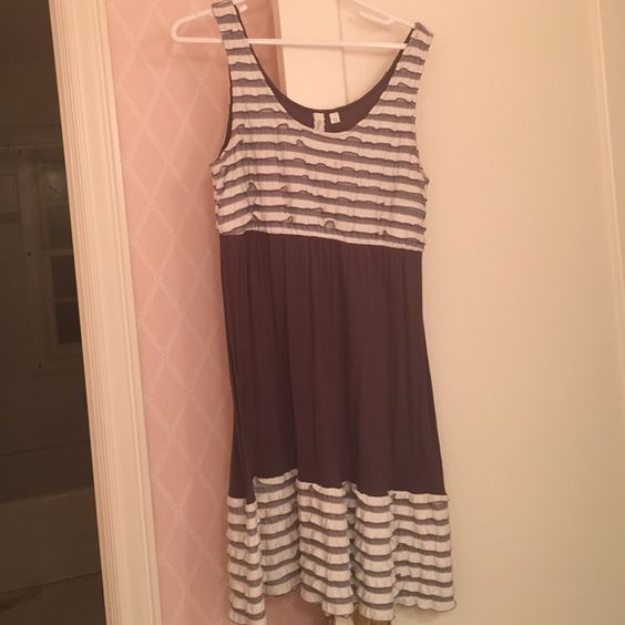 Brown, white & Grey Frill dress Extremely comfortable/adorable Eloise Dresses Midi