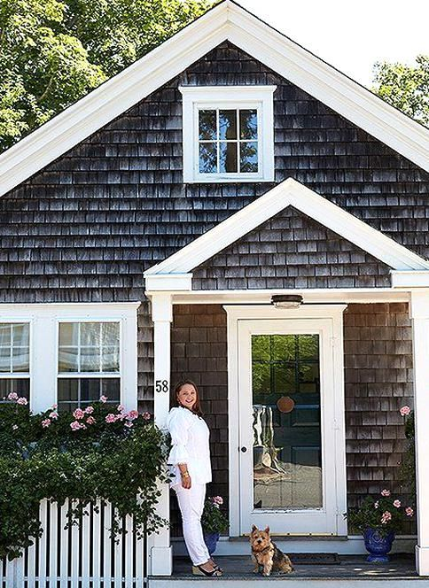 Elizabeth And The Familys Norwich Terrier Lily Bear Strike A Weing Pose At The Cottage Which Was O In 2020 Small Cottage Homes Small Cottage House Plans Nantucket Home