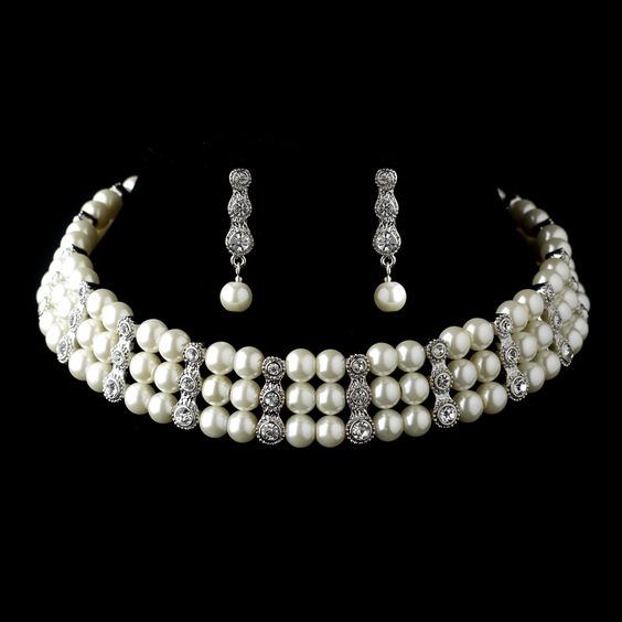 Luminous Ivory Pearls and Dazzling Rhinestones Set. Kim's Bridal, Keywords:  #michiganeventrentals #michiganbridalshop #weddingrentals #weddingaccessories #kimsbridal Follow Us: http://www.kimsgiftbaskets.com/ ... https://www.facebook.com/KimsGifts