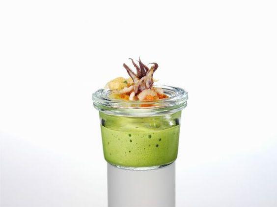 Joghurt-Basilikum-Lassi mit Tintenfisch ist ein Rezept mit frischen Zutaten aus der Kategorie Tintenfisch. Probieren Sie dieses und weitere Rezepte von EAT SMARTER!
