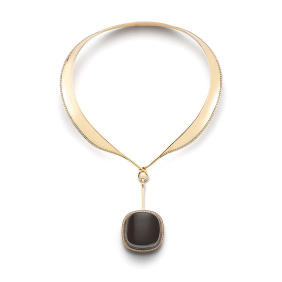 FALL JEWELRY TRENDS: SIMPLE SHAPES ARE OFTEN BEST