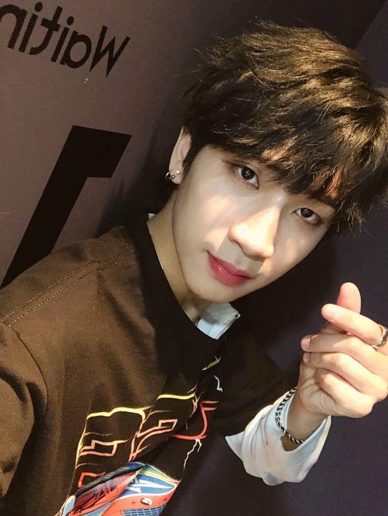 ↬ guess the kpop idol (2019) Quiz - By rrrrrrravee
