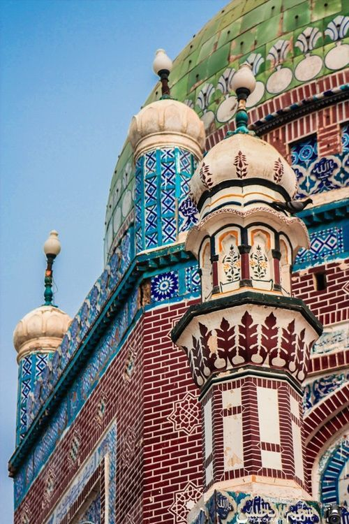 Colors, by Najmul Hassan. Shrine of Shams-ud-Din Sabzwari (Shams Tabrez) in Multan, Pakistan.