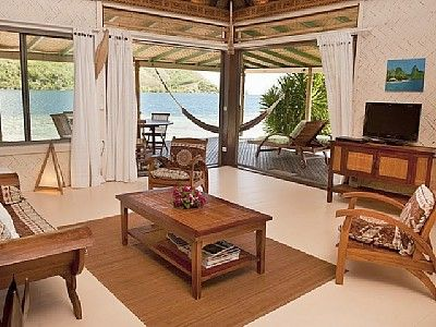 Vacation rental right on the water! French Polynesian