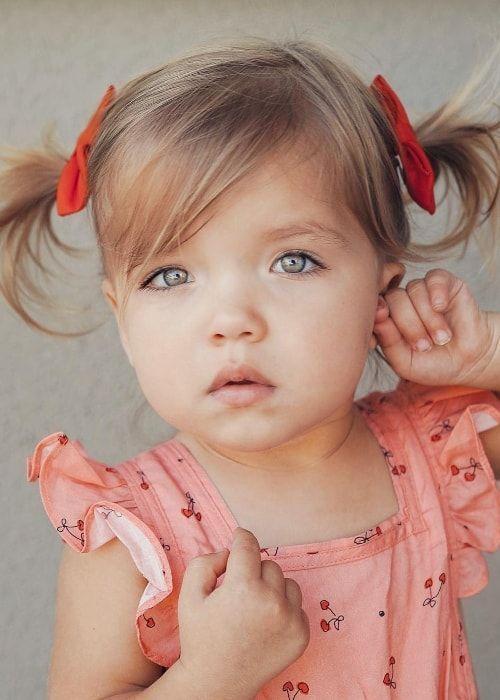 Taytum Fisher Grosse Gewicht Alter Korperstatistik Alter Korper Fischer Hohe St In 2020 Baby Mit Haaren Frisur Kleinkind Frisuren Fur Kleine Madchen