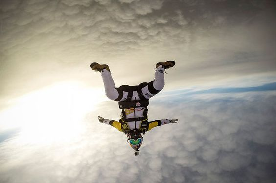 790 Skydivers Jump at 10,000 Meters over Mont Blanc