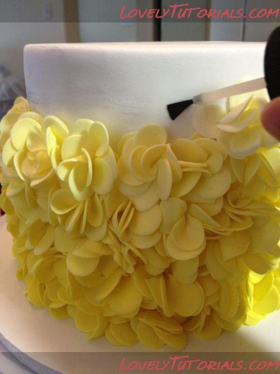 Cake Decorating Ruffles : Petal ruffles cake tutorial - ??????-?????? ?? ????????? ...