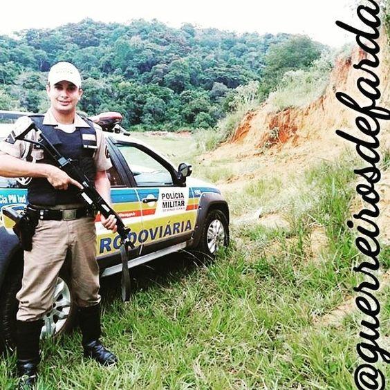 POLICIAL MILITAR   SIGAM...  @wagnerpmmg @wagnerpmmg @wagnerpmmg @wagnerpmmg @wagnerpmmg  Mande sua foto  por DIRECT  @guerreirosdefarda . .  Sigam também os meus parceiros  @vidadepolicial @esquadraoperacional @policiaminhavida . .  #policial #policia #pm #police #policiamilitar #brasil #militar #prf #papamike #policiafederal #policiafeminina #segurança #concursopublico #policiacivil #soldado #caveira #facanacaveira #operacional #policeman #proteger #militarypolice #military…