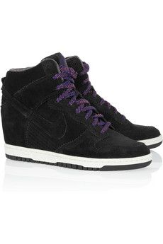 LOVE these Nike wedges. Too cute!