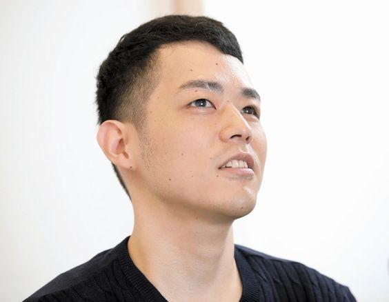 インタビューに答える濱田祐太郎さん