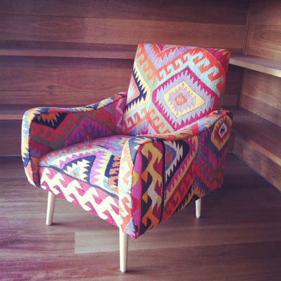 Chairs beautiful things and kilim rugs on pinterest for Native american furniture designs