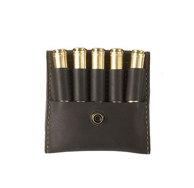 Ammo holder Made of naturally treated suede with leather details of the best quality. 54€  Find more accessories for men at http://detailsforhim.se #mensfashion #men #accessories #fashionformen #hunting