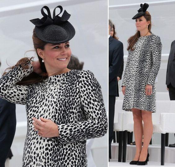 Kate Middleton usa vestido amplo de animal print para evento na Inglaterra