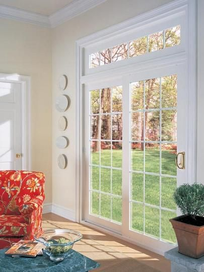 Love the transom windows above the french doors crown for Puertas para patio exterior