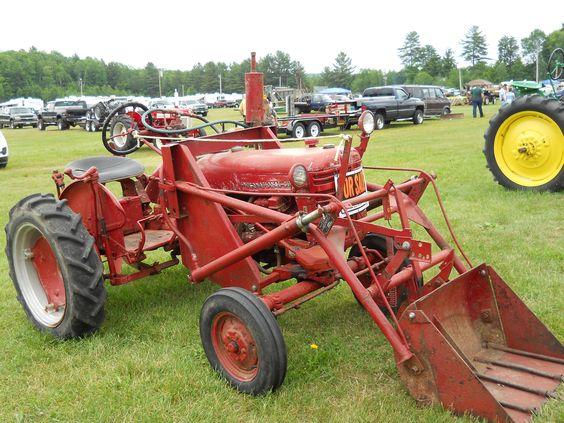 1958 International Tractor : International https youtube user