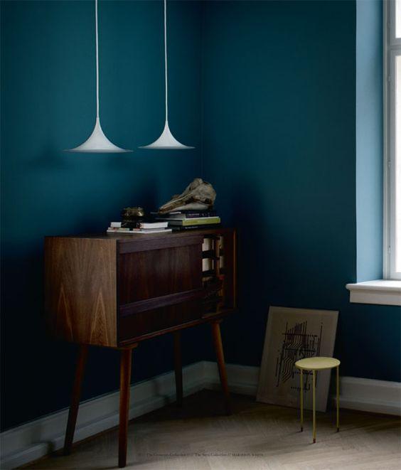 semi pendelleuchte von gubi der leuchten designklassiker. Black Bedroom Furniture Sets. Home Design Ideas