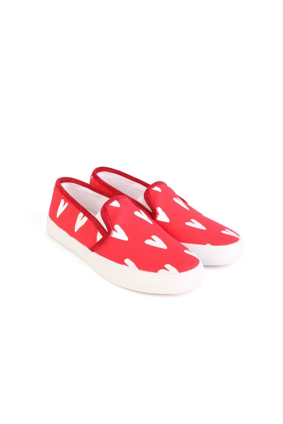 Slip on sneaker in heart print