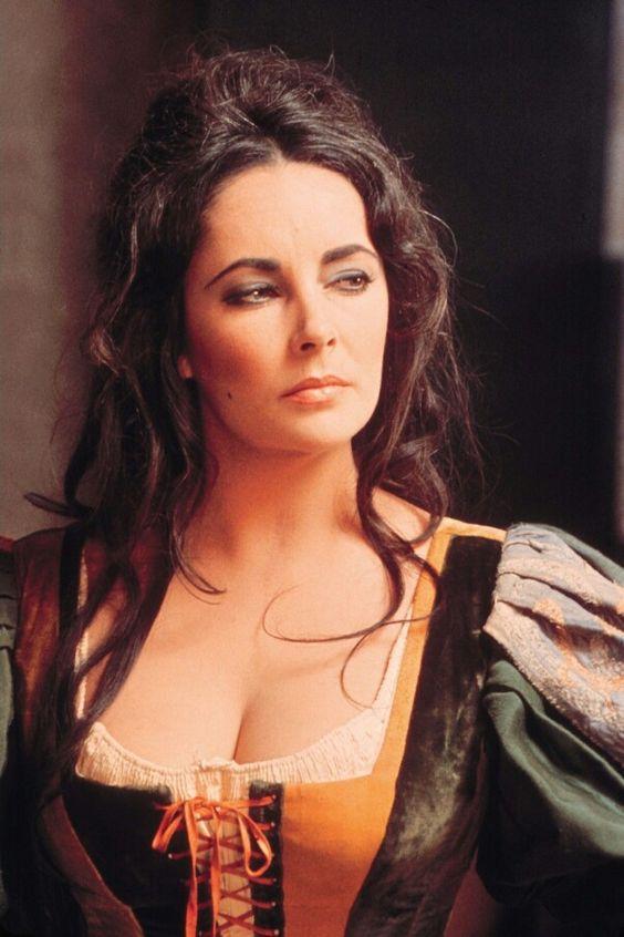 Elizabeth Taylor en 'La mujer indomable' (La fierecilla domada) (Franco Zeffirelli, 1966)