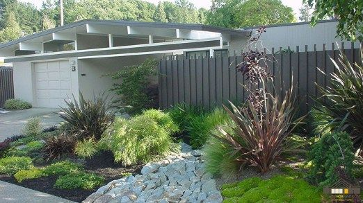 Gorgeous Modern Fence Design Ideas Match For Any House 12 Modern Landscaping Modern Landscape Design Mid Century Landscaping