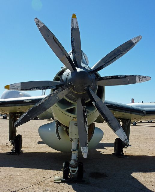 Contra Rotating Propellers : Coaxial contra rotating propellers on a fairey gannet aew