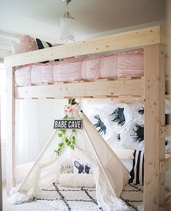 Loft caves and pink black on pinterest for Pretty decorations for bedrooms