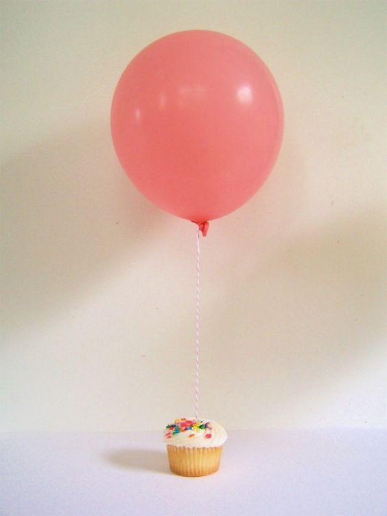 cupcake and balloon